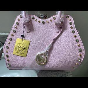 Traci Lynn Handbag 👜 and Wristlet Set